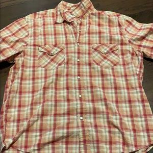 Men's American eagle button up T-shirt